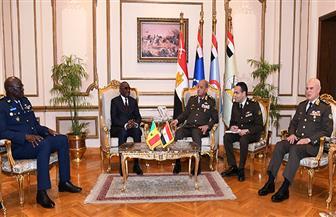 الفريق أول محمد زكي يلتقي وزير القوات المسلحة بجمهورية السنغال