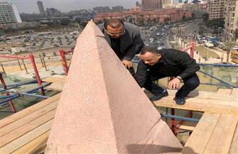 مصطفى وزيري يتفقد أعمال الترميم الدقيق لمسلة ميدان التحرير | صور