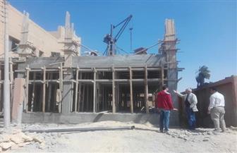 إحالة 26 موظفا للتحقيق لعدم الانضباط في العمل بمدينة إسنا | صور