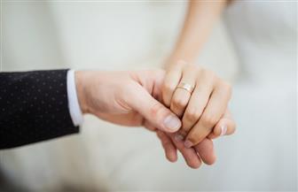 خبيرة علاقات أسرية تكشف مزايا فارق السن بين الزوجين