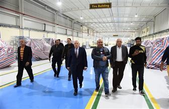 محافظ بورسعيد يتفقد مصنع إطارات السيارات استعدادا لافتتاحه مارس المقبل | صور