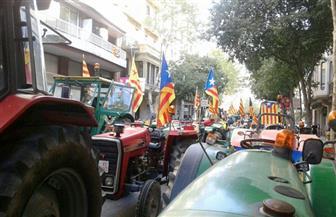 المزارعون الإسبان يواصلون التظاهر بالجرارات بسبب انخفاض الأسعار