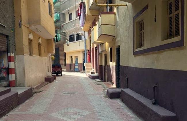 محافظ الغربية يشيد بجهود شباب وأهالي سبرباي في تطوير الشوارع بالإنترلوك | صور