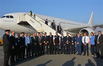 وزير الطيران يطمئن على تجهيزات الطائرة الخاصة لعودة المصريين من الصين | صور