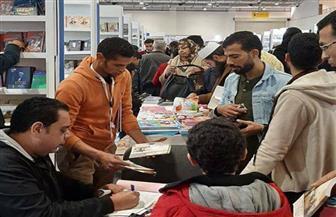 إقبال جماهيري وإيرادات غير مسبوقة في حصاد قصور الثقافة بمعرض الكتاب | صور