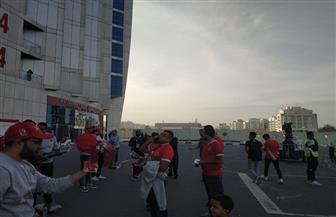 أجواء حماسية بمحيط ستاد محمد بن زايد قبل ساعات من السوبر المصري | صور