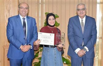 طالبة من جامعة المنصورة تفوز في المسابقة العالمية للتصوير الجداري