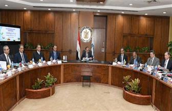 وزير البترول: التركيز على تطبيق أفضل السبل لتخفيض مصروفات إنتاج برميل الزيت