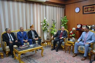 محافظ الدقهلية يستقبل المستشار الثقافي لسفارة إندونيسيا بالقاهرة