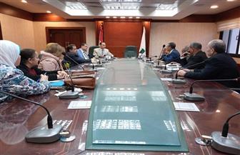 فى اجتماع المجلس الأعلى للصحة: محافظ سوهاج يؤكد على وضع ٱليات لتحقيق العدالة وتطوير القطاع الصحي | صور