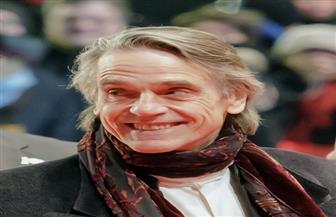 الممثل جيرمي آيرونز يدافع عن رئاسته للجنة تحكيم مهرجان برلين السينمائي