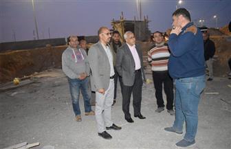 """مساعد نائب رئيس""""المجتمعات العمرانية"""" يقوم بجولة بمدينة الشروق ويتابع مشروعات رفع المخلفات"""