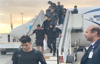 أبطال السوبر يصلون القاهرة.. وجماهير الزمالك تتوافد على المطار للاحتفال بهم | صور