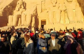 الشمس تتعامد على وجه الملك رمسيس بمعبد أبو سمبل