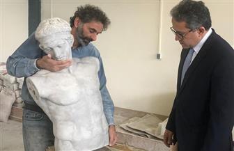« العناني» يزور ورشة لإنتاج المستنسخات الأثرية بالعاصمة اليونانية أثينا  صور