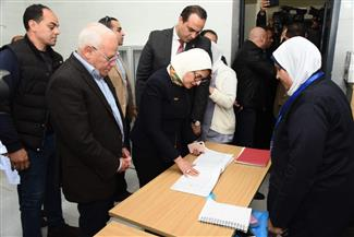 وزيرة الصحة تشدد على الالتزام بنظام الإحالة الإلكتروني بمستشفيات بورسعيد| صور
