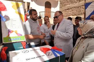 محافظ أسيوط يشهد انطلاق قافلة جمعية رسالة للمساعدات بقرية بنى شقير بمنفلوط | صور