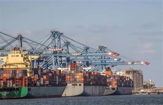 ميناء دمياط يستقبل 5 سفن حاويات و3 أخرى للبضائع العامة