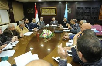 محافظ كفرالشيخ يبحث الموقف التنفيذي لمشروعات الرصف مع أعضاء النواب | صور