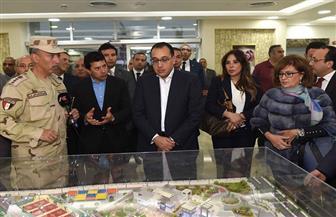 """رئيس الوزراء يتفقد الصالة المغطاة ومشروع """"النادي"""" بمدينة السادس من أكتوبر"""