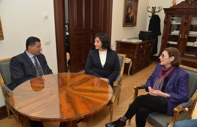 نائب وزير السياحة والآثار تدعو من صربيا للسياحة الثقافية إلى مصر  صور -