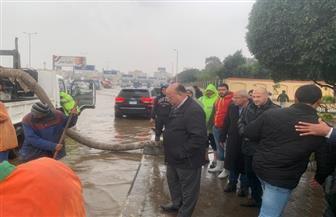 دعم منطقة المنصة بطريق النصر بـ ٢٥ شفاطا لسحب مياه الأمطار|صور