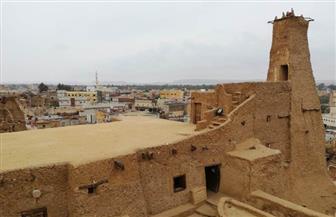 وزارة السياحة والآثار تطور قرية شالي الأثرية بمطروح