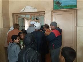 الكشف على 1115 مواطنا في قافلة طبية بقرية الخضيرات بقنا | صور