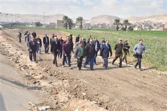 محافظ أسيوط يترأس حملة لإزالة تعديات على أراضي أملاك دولة بمركز أسيوط | صور