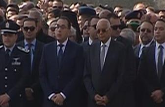 رئيس الوزراء ورئيس مجلس النواب يصلان مسجد المشير للمشاركة في تشييع جثمان الرئيس الأسبق مبارك