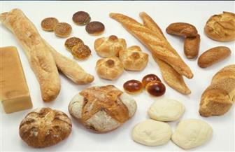 هل تشعر بالانتفاخات والإرهاق المستمر والقلق؟.. تناول الخبز والمعجنات قد يكون السبب