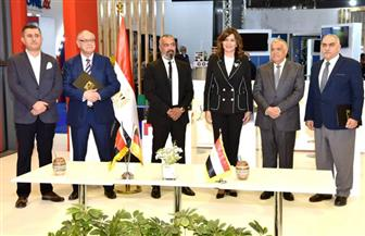 وزيرة الهجرة ورئيس العربية للتصنيع يشهدان توقيع اتفاقية للشراكة والتصنيع المشترك مع جوتمان الألمانية