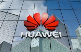 الحرب التجارية بين بكين وواشنطن تفقد هواوى مرتبتها الأولى في بيع الهواتف الذكية في العالم