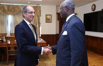 وزير الاتصالات يستقبل سفير كوت ديفوار في القاهرة لتعزيز التعاون في التحول الرقمي
