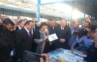 وزيرة الثقافة تفتتح معرض قنا للكتاب