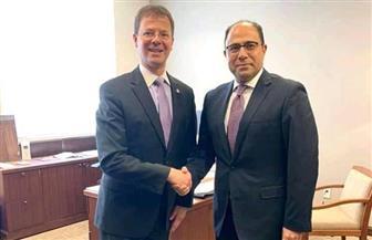 أحمد أبوزيد يستعرض رؤية مصر تجاه الأوضاع في الشرق الأوسط مع النائب الكندي سفين سبينجمان