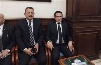 محمد ثروت يؤدي واجب العزاء الرئيس الأسبق محمد حسنى مبارك | صور