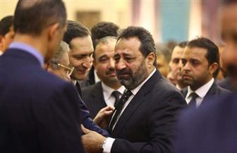 مجدى عبد الغنى ينهار باكيا فى عزاء الرئيس الراحل مبارك | صور