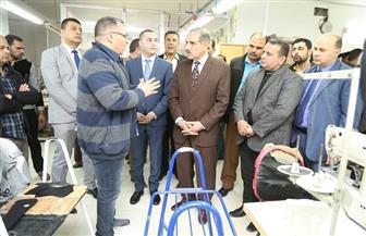 محافظ كفر الشيخ يتفقد عددا من المصانع بمنطقة بلطيم الصناعية | صور