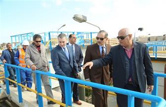 محافظ كفرالشيخ ونائبه يتفقدان محطة تنقية مياه الشرب بمركز بلطيم | صور