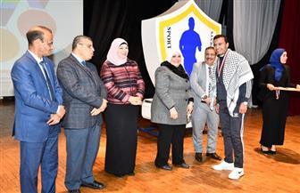 جامعة القاهرة تفوز بدرع الملتقى الطلابي الأول للوافدين بجامعة قناة السويس| صور