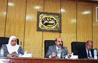 محافظ أسوان يلتقي وفد وزارة التخطيط