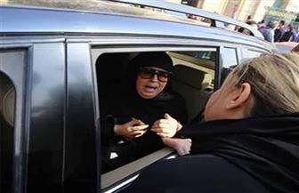 انهيار فيفي عبده في جنازة نادية لطفي | صور