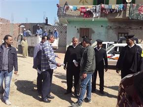 حملة لإزالة التعديات على أراضي أملاك الدولة بمدينة البياضية بالأقصر |صور