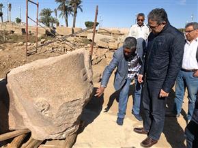 وزير السياحة والآثار يتفقد أعمال مشروع الهوية البصرية بمعابد الأقصر والكرنك | صور