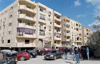 الأجهزة الأمنية تفرض كردونا أمنيا في موقع حادث مقتل 3 من أسرة واحدة بمنطقة حدائق الأهرام   صور