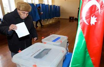 استطلاعات: الحزب الحاكم في أذربيجان يفوز بغالبية المقاعد في الانتخابات التشريعية