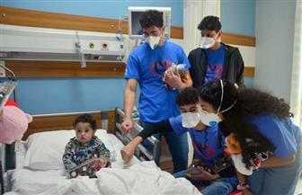 وزارة الهجرة تنظم زيارة لشباب المصريين بكندا إلى مستشفى الناس للأطفال| صور