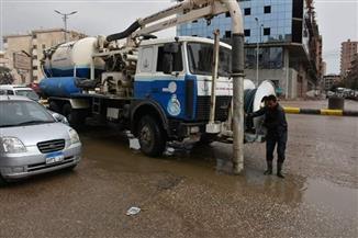 محافظ القليوبية يتابع عمليات رفع مياه الأمطار من الطرق والأنفاق |صور