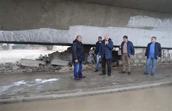 محافظ الجيزة يتابع أعمال شفط مياه الأمطار   صور
